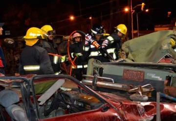 Bomberos de Monte Caseros realizan un curso de rescate vehicular