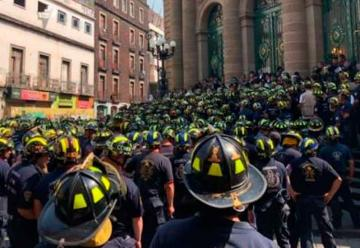 Bomberos de México Protestan contra diputados de Morena