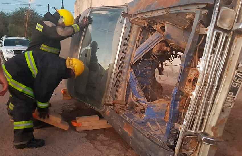 Bomberos de toda la provincia se capacitan en Añatuya