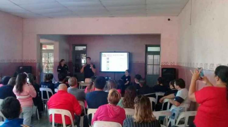 Bomberos Voluntarios brindaron un curso de RCP
