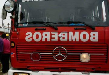 Intentaron robar una manguera a bomberos en pleno incendio