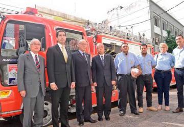 Bomberos Voluntarios del Paraguay recibió carros hidrantes