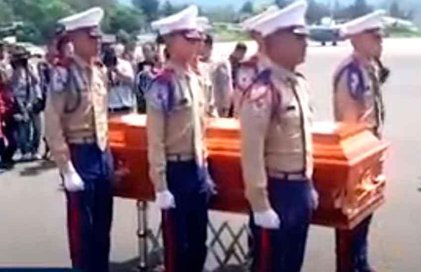 Con honores fue recibido el Bombero fallecido en Mexico