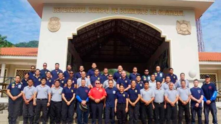 Bomberos de Chicago capacitan a Bomberos Guayaquil sobre rescate