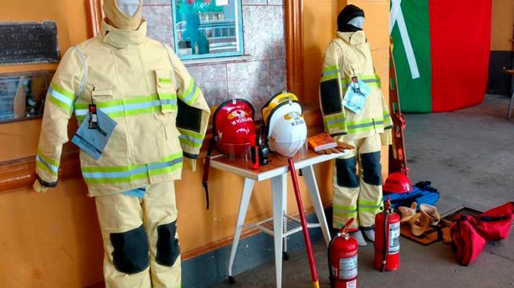Indumentaria contra incendios para Bomberos de Coronda