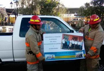 Fundación entrega donativo de ambulancia para Bomberos