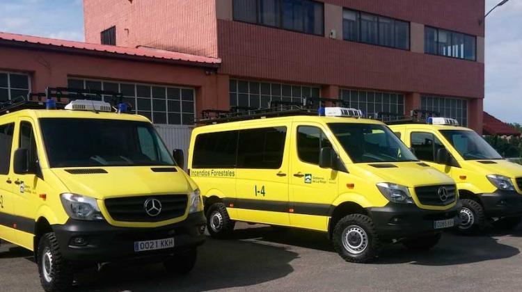 Tres nuevos vehículos para los bomberos forestales