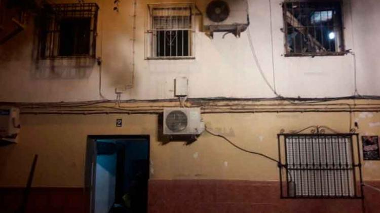 Dos bomberos heridos en un incendio en Torreblanca