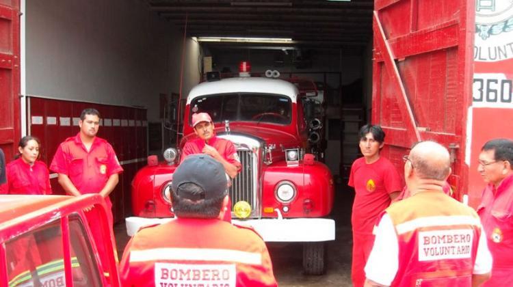 Bomberos piden a autoridades renovar sus equipos y vehículos