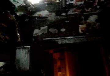 Un bombero resulta herido tras un incendio en una vivienda