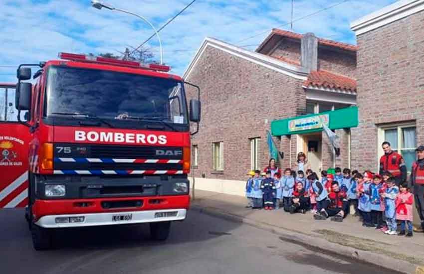 """Jornada operativa """"Bomberos Voluntarios con la Gente"""""""