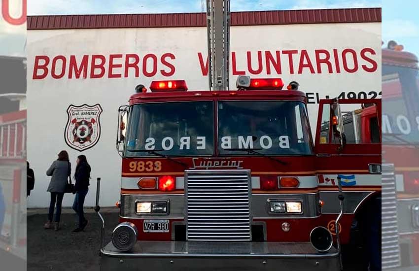 Bomberos Voluntarios de General Ramírez recibieron nuevo móvil