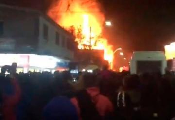 Roban equipos a bomberos que combatían incendio en La Tirana