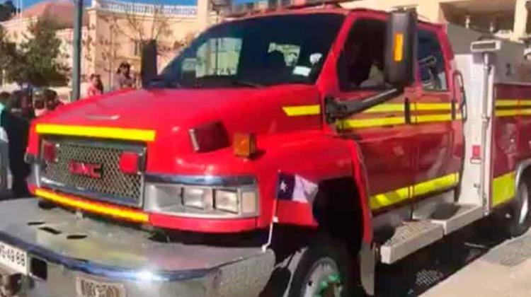 Donan carro de bomberos especializado en sustancias peligrosas