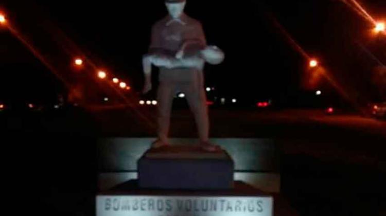 Los bomberos de Casilda tienen su monumento