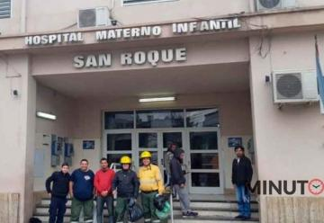 Bomberos entregaron juguetes en el Hospital San Roque