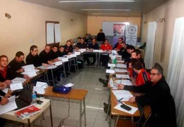 Bomberos de la región se capacitan en Olavarría