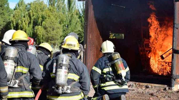 Rio Negro tiene una escuela de bomberos