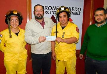 Comuna ovetense entrega aporte a Bomberos Voluntarios