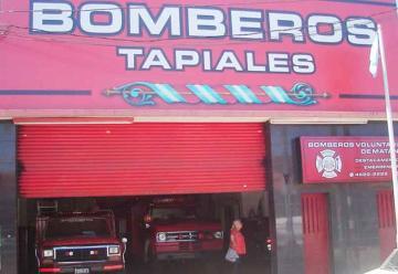 Bomberos Voluntarios buscan comprar una nueva autobomba
