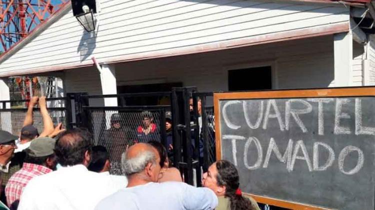 Bomberos se acuartelaron y reclaman elementos de seguridad
