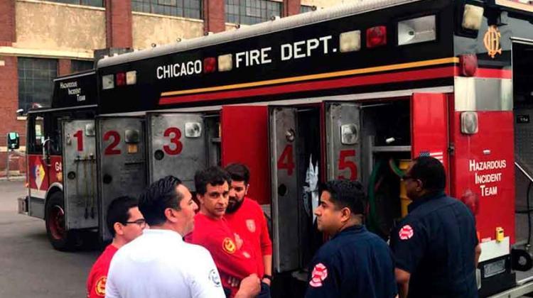 Bomberos de Santiago visitan el departamento de Bomberos de Chicago