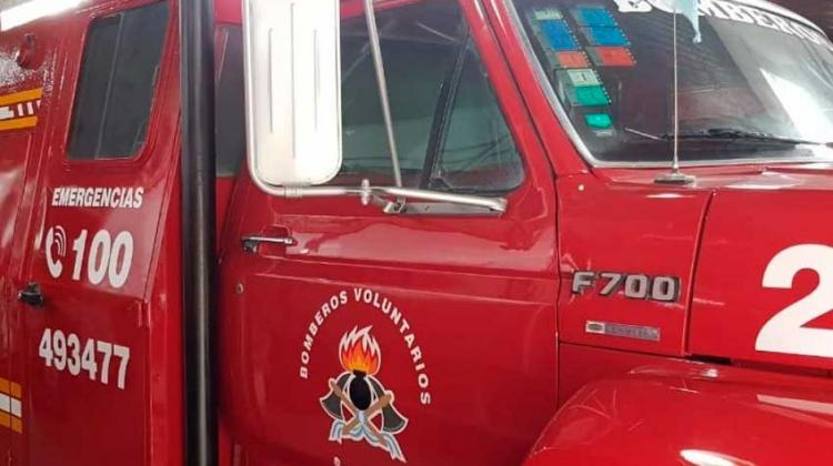 Agredieron a los Bomberos cuando iban a sofocar el incendio de un auto