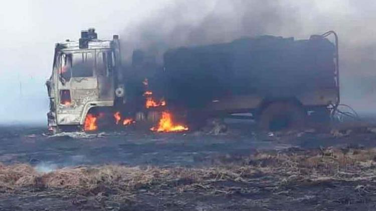Bomberos sufrieron la perdida de una autobomba en incendio