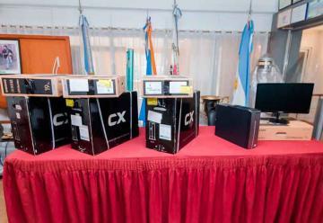 Bomberos de Ushuaia cuenta con nuevo equipamiento informático