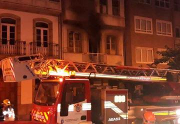 Un bombero herido tras el incendio en una vivienda
