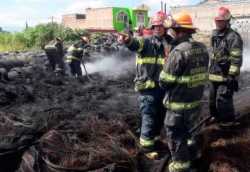Roban a bomberos mientras atendían incendio