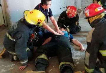 Bomberos se capacitaron para asistir a heridos en un accidente
