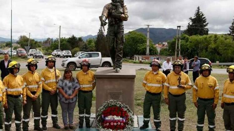 Homenaje para recordar a los brigadistas fallecidos