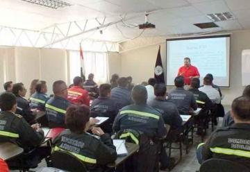 Bomberos recibieron capacitación en Comando de Incidentes