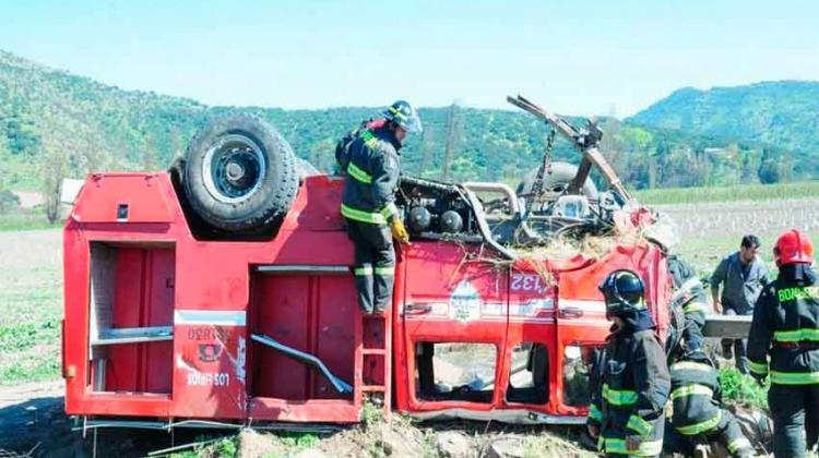 Broma deja sin carro a Bomberos de Requínoa