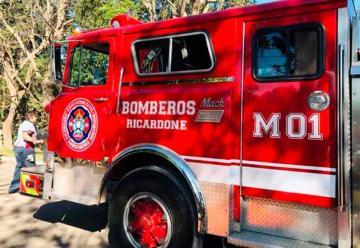 Bomberos de Ricardone presentaron su autobomba
