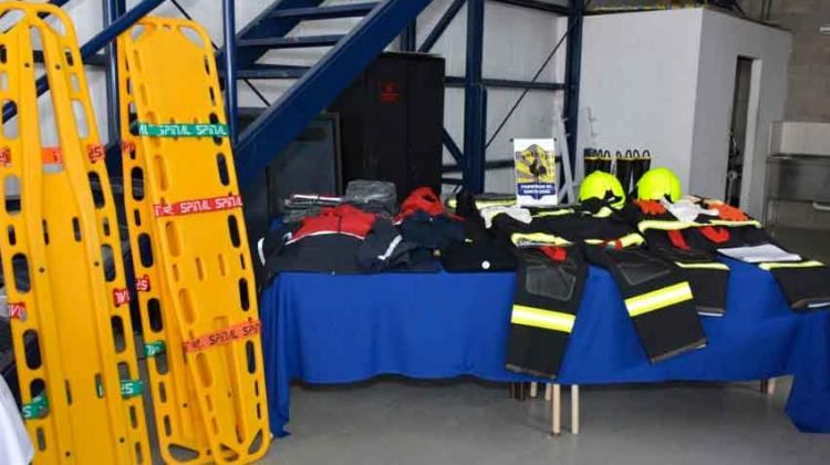 Entregaron equipamiento a los bomberos de Santa Cruz