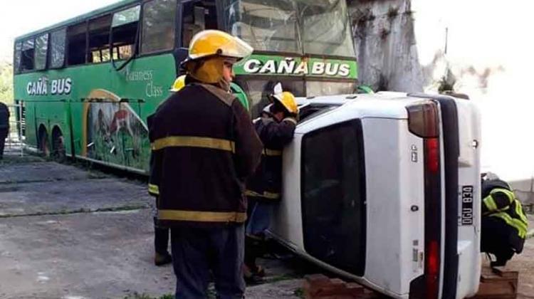Bomberos realizaron un simulacro para rescatar víctimas