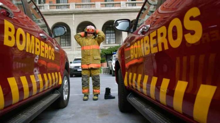 Bomberos Adquirirá 900 Uniformes Y 400 Equipos Respiratorios