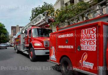 Entregan unidades rescatadas a Cuerpo de Bomberos