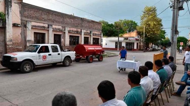 Entregan camioneta a Bomberos del Municipio de el Galpón