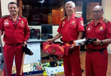 Bomberos de Lima recibieron donación de equipos