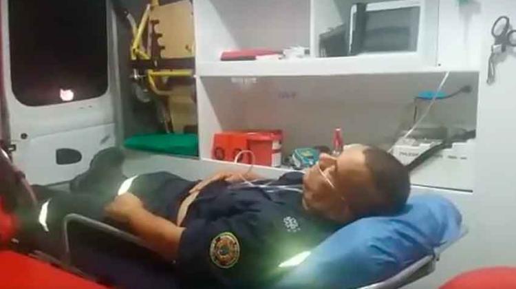 Atacan a 2 paramédicos de Bomberos cuando atendían accidente en Cali