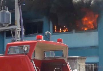 Incendio en una fábrica de colchones en Esteban Echeverría