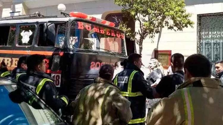 Concejales aprueban la compra de un camión para los Bomberos