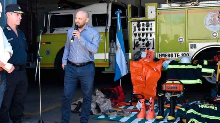 Suman autobomba a Bomberos Zapadores