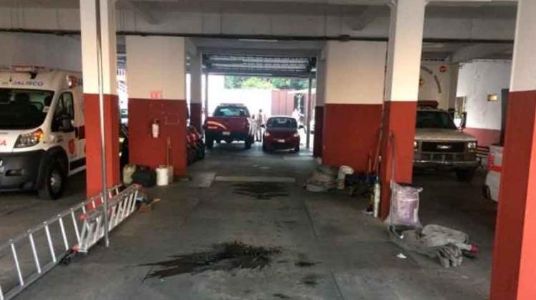 Bomberos de Guadalajara sin vehículos para combatir incendios