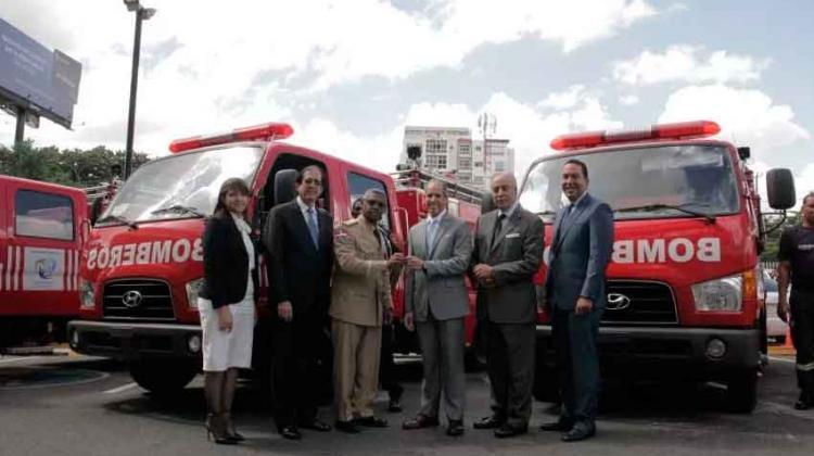 Donación de 10 camiones de Bomberos al sistema 911