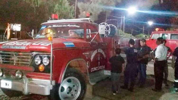 Bomberos de Concordia prestan autobomba a los Bomberos de San Jaime de la Frontera