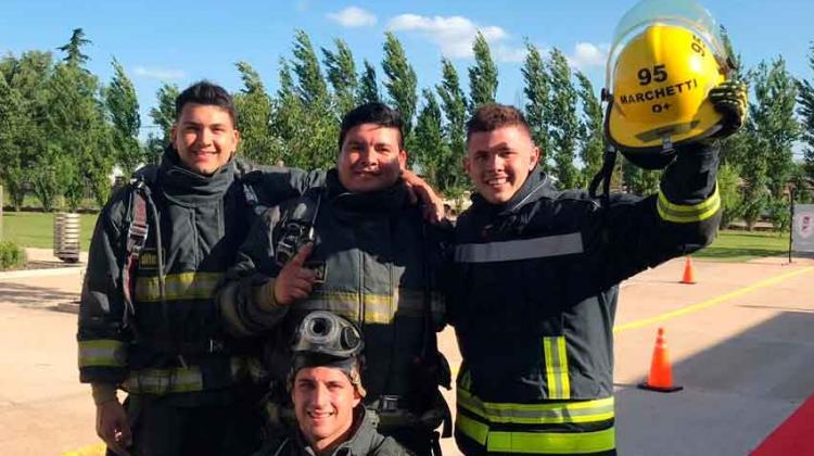 Bomberos de Armstrong campeones del desafío de habilidades en Gálvez